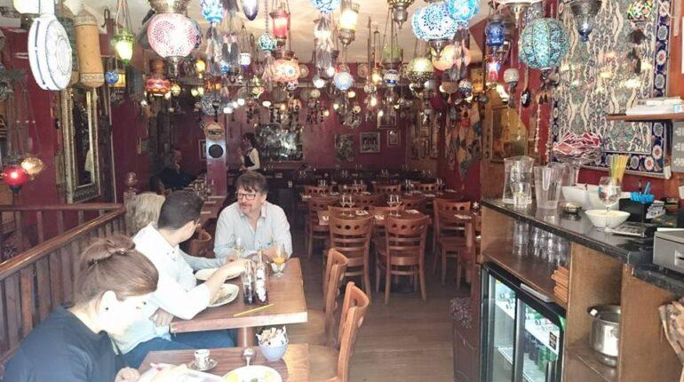 Londra'nın Göbeğinde Kapalı Çarşı: The Grand Bazar Restoran