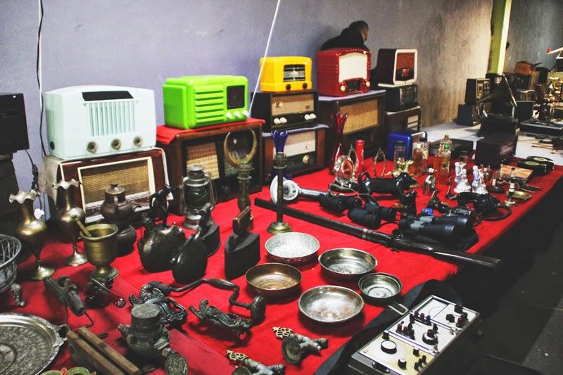 Antika Pazarı Feriköy Radyo tezgahı