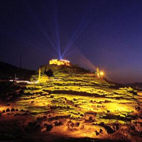 Kapadokya'nın Kalbi: Nevşehir Kalesi